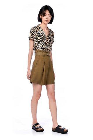 Dyora High-Waisted Shorts