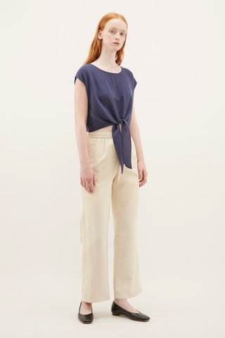 Raynor Front-knot Top