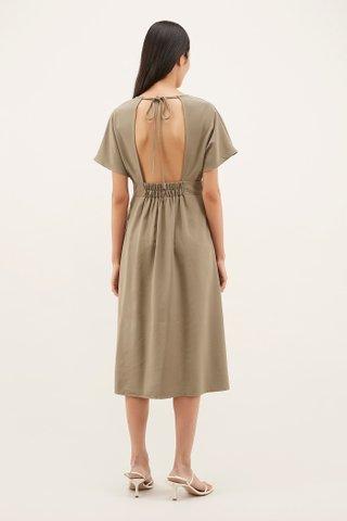 Alasis Wide-sleeved Dress